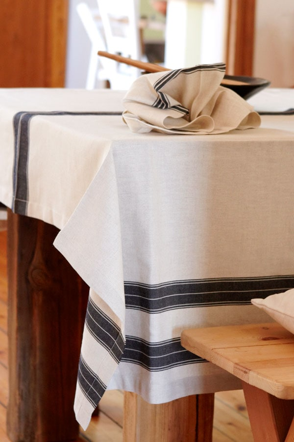 cotton and line table cloth