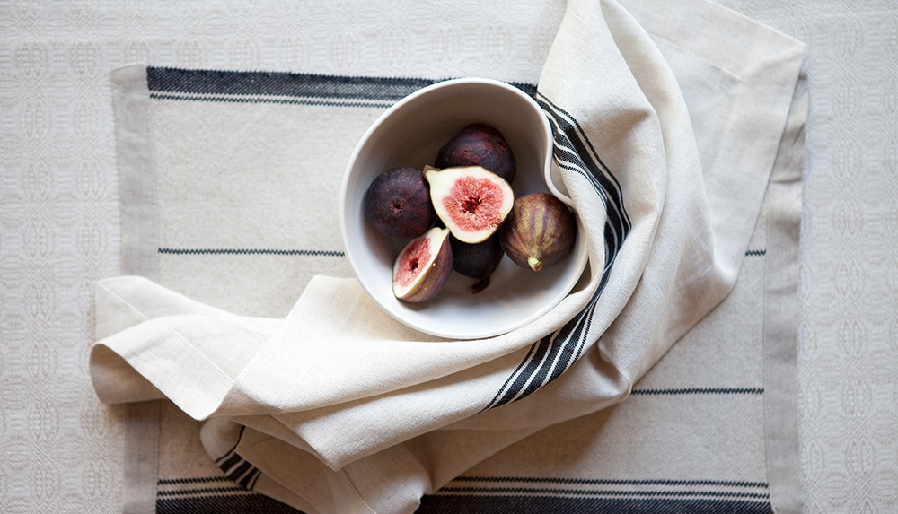 Curvy bowl and table linen Cape Town