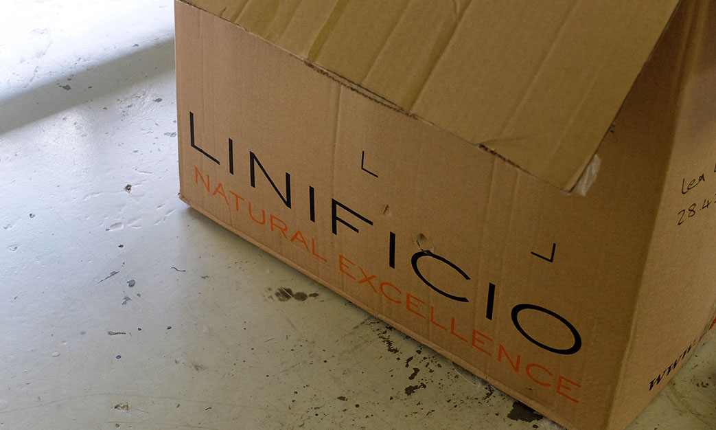 Our first shipment of Linificio Linen yarn arrives in Plettenberg Bay.