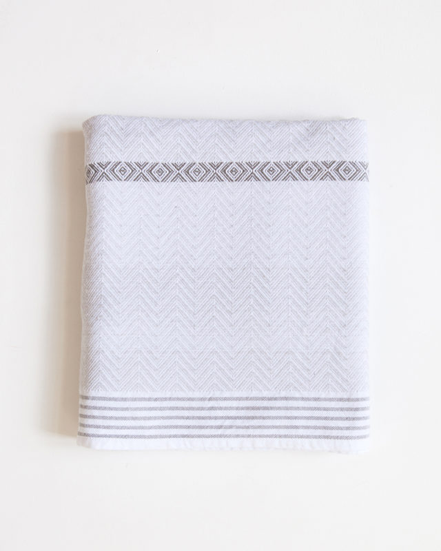 Mungo Tawulo in snow colourway. 100% cotton. Made in South Africa