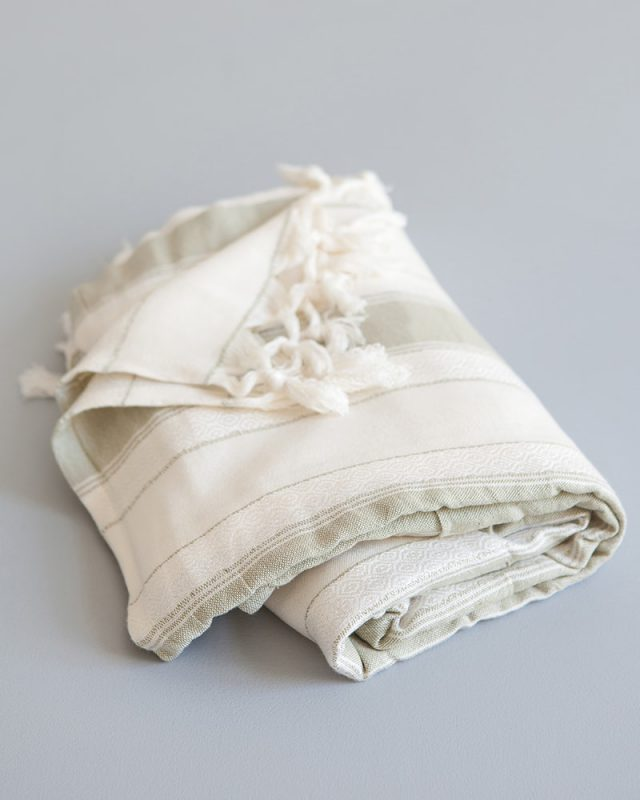 The Mungo Spa wrap is the perfect gift for the one you love. Woven at our mill in Plettenberg Bay, South Africa to the highest quality standard and available to buy online.