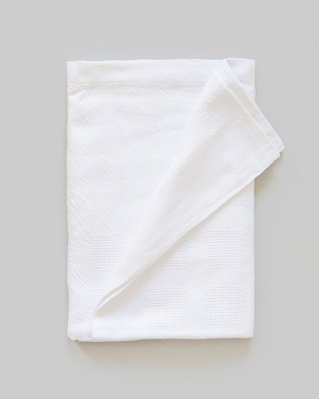 Mungo Organic Cotton Cot Baby Blanket. Light, breathable and warm for baby