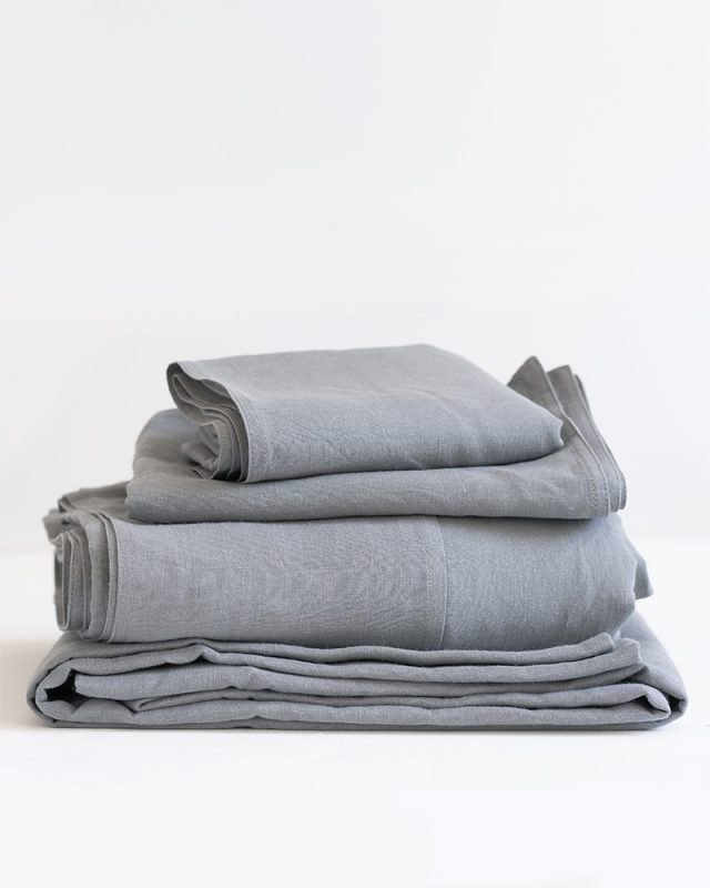 Luxurious Kamma 100% linen duvet covers, flat sheets, fitted sheets and pillow cases in Fumo Grey