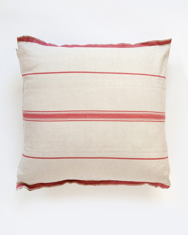 Mungo Lisburn Cushion Covers in a class provincial style. 100% cotton. Woven in South Africa at the Mungo Mill