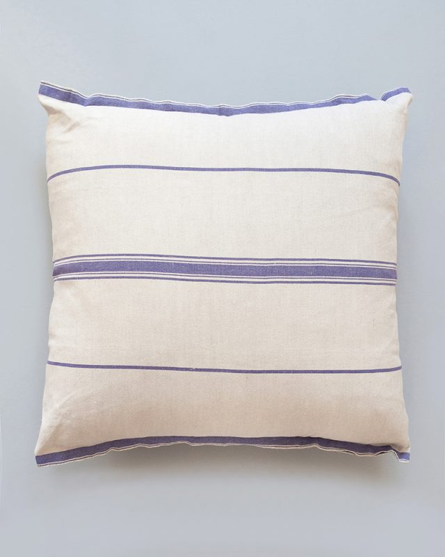 Mungo-Lisburn-Linen-Cushion-04