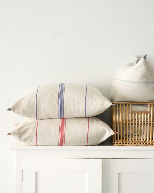 Mungo Lisburn Cushion Covers in a class provincial style. 100% cotton. Woven in South Africa