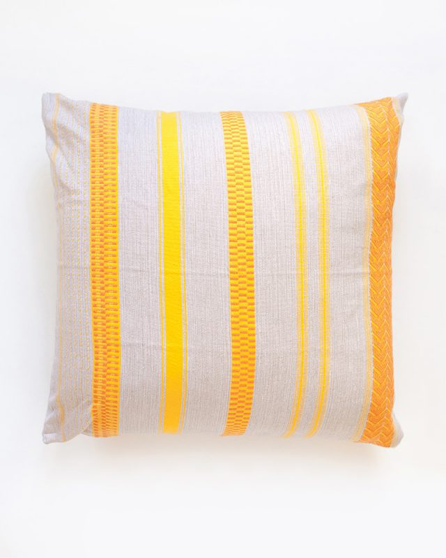 Mungo-Mali-Cushion-01