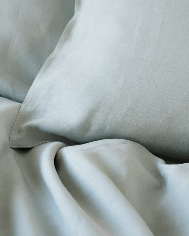 The Mungo Kamma Linen is woven from the highest quality flax at the Mungo Mill in Plettenberg Bay, South Africa.