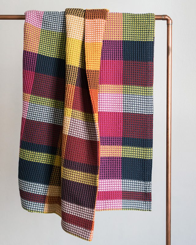 Woven at the Mungo mill in Plettenberg Bay, the Vrou-Vrou blanket is a beautiful colourful addition to any home.