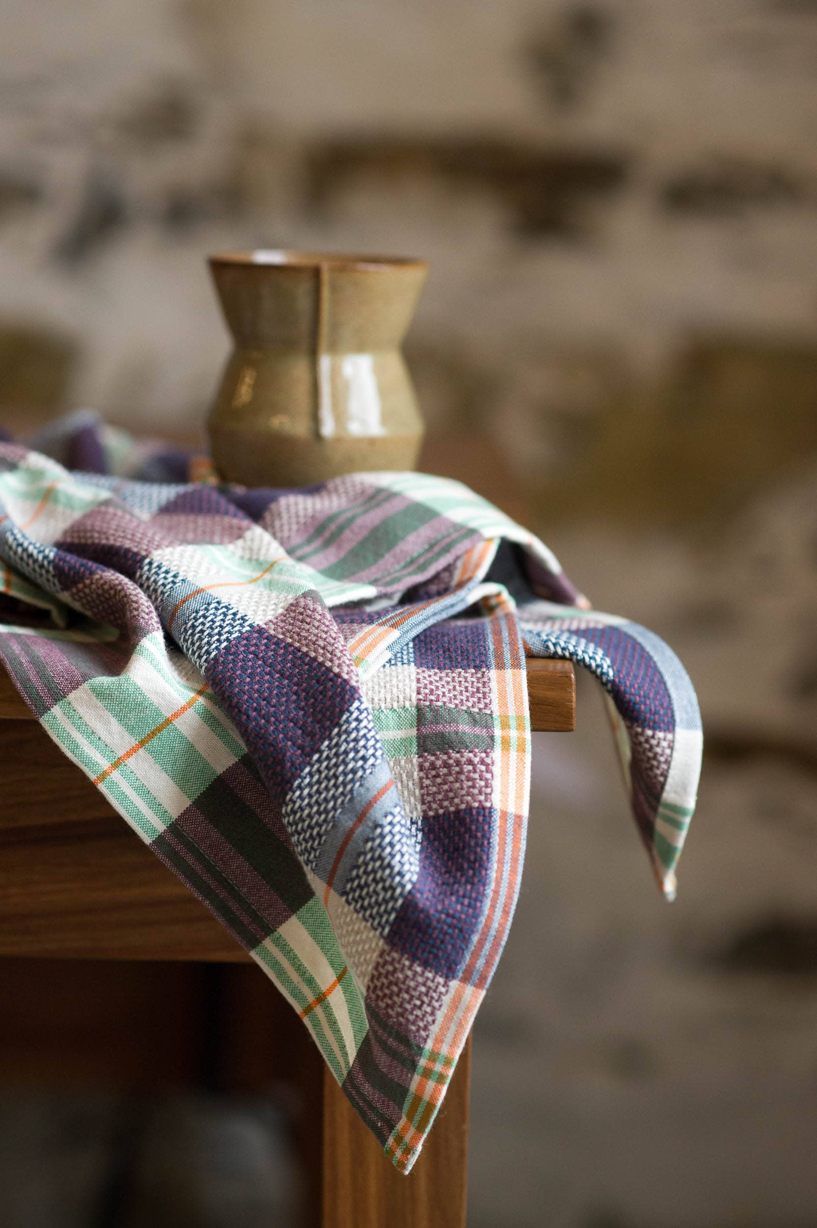 Mungo Vadoek Cloth in Mulberry, a colourful addition to out kitchen linen range woven from natural fibres at our mill in Plettenberg Bay, South Africa