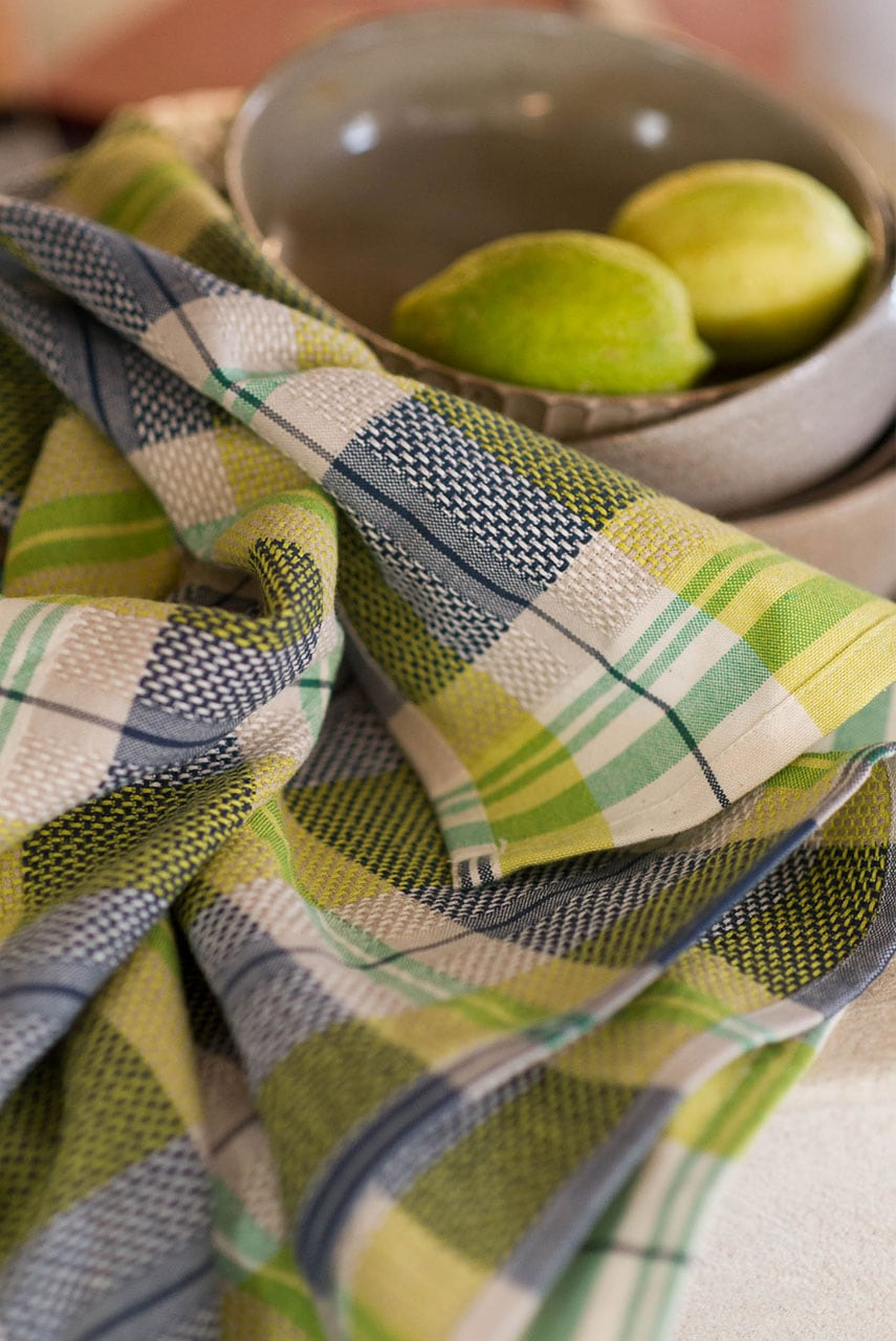 The Mungo Vadoek Cloth in Dill, in a kitchen scene