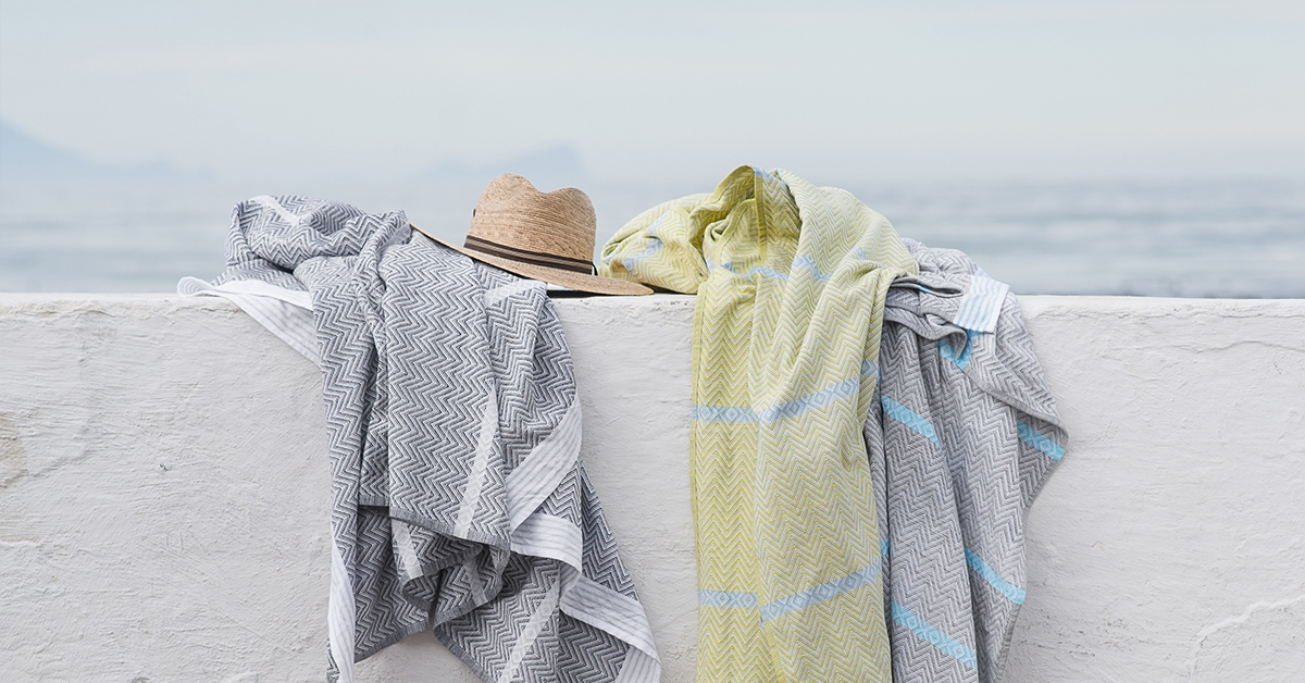 Mungo flat weave towels are design & woven at the Mungo Mill in Plettenberg Bay from 100% natural fibres. Compact, quick-drying, absorbent & versatile. PIctured the African-inspired Mungo Tawulo