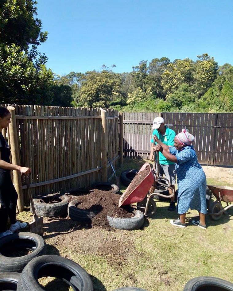 Through the Mungo CSR, MOVE, we held a 3-week permaculture course. Herewith preparing the tyre pyramid gardens