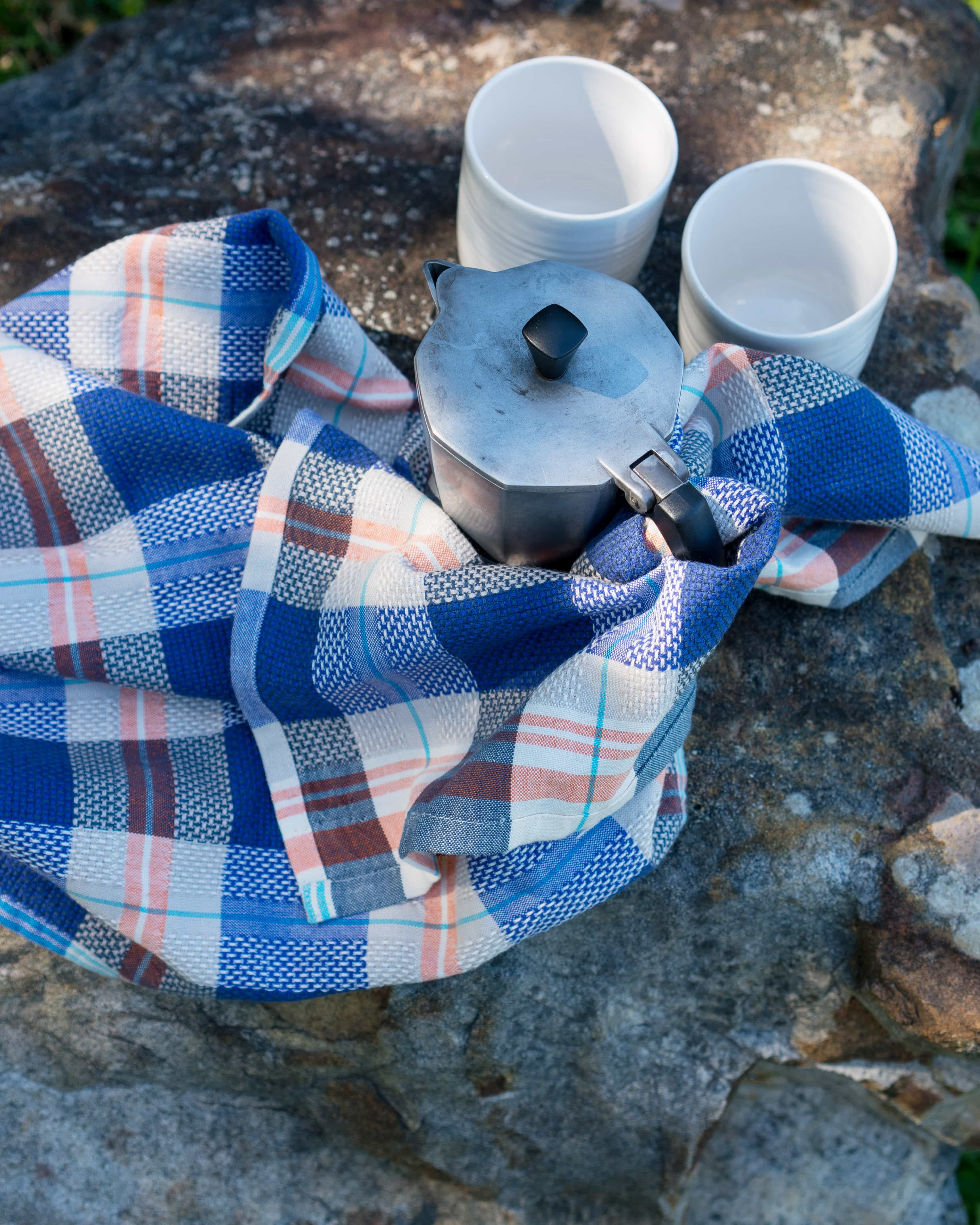Coffee break on an outdoor adventure - with a Mungo Bilberry Vadoek and coffee pots
