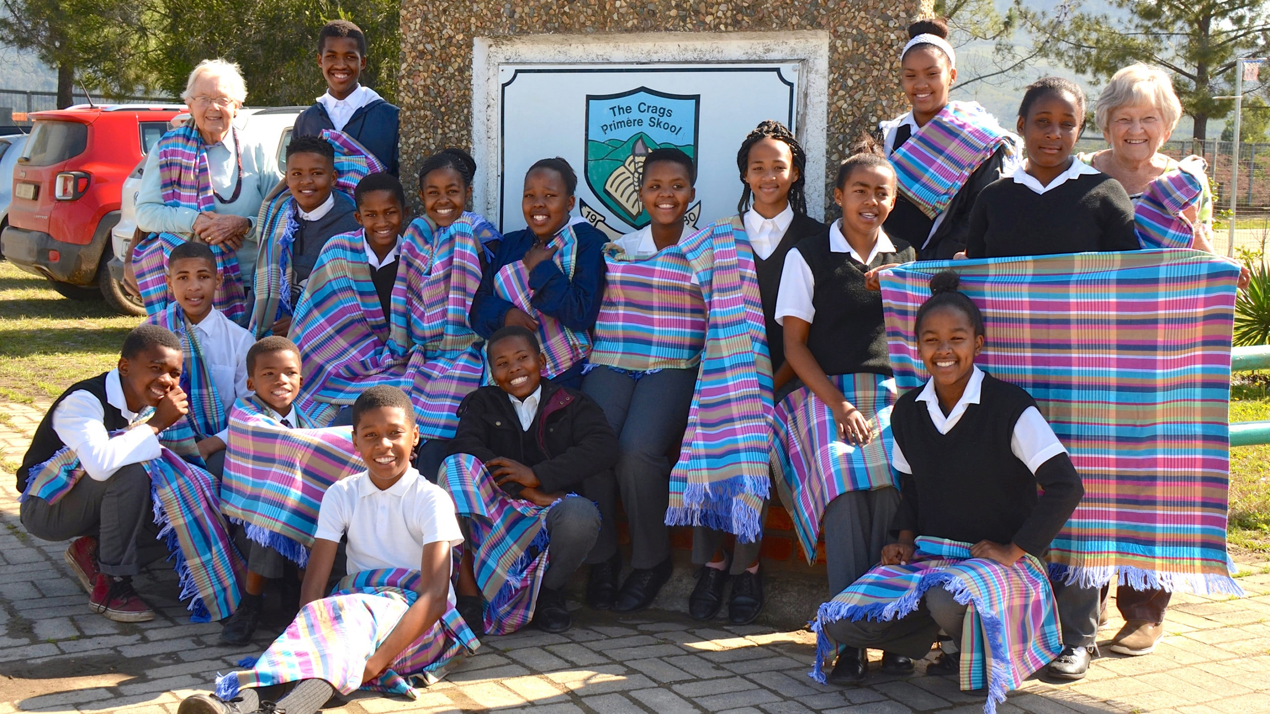 Students of the Crags Primary School in Plettenberg Bay in attendance at the Mungo Mill for a textile tour & workshop.