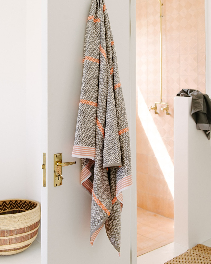 Mungo Itawuli in Brown Granite. A pure cotton towel design, woven and made in South Africa