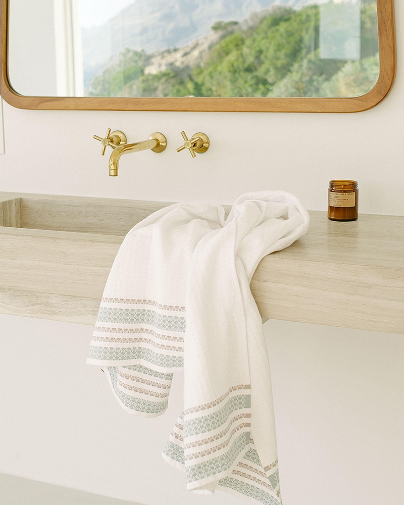 Mungo Aegean Towel. 100% GOTS-certified organic towel. Woven at the Mungo Mill