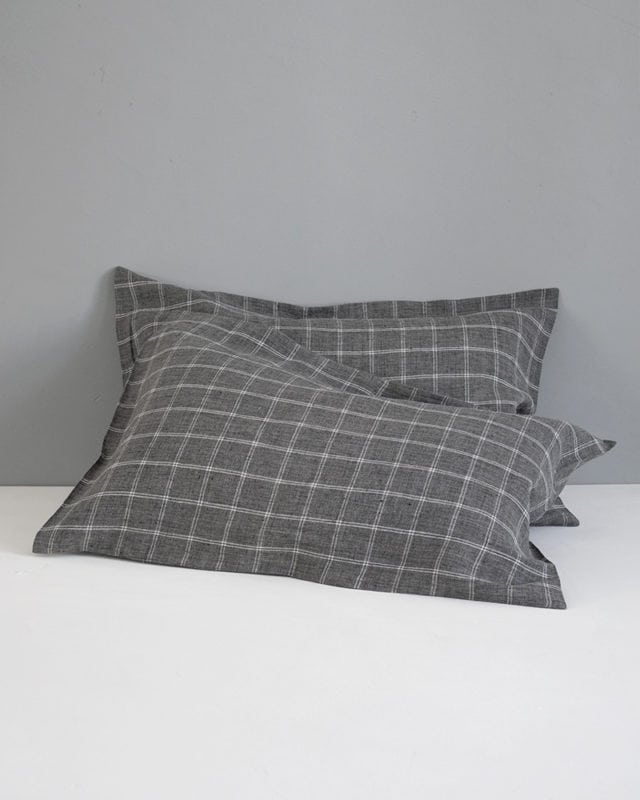 Mungo Kamma Bed Linen in Melange Check. Breathable, crisp & luxurious linen bedding. Woven from Italian linen at the Mungo Mill in Plett, South Africa