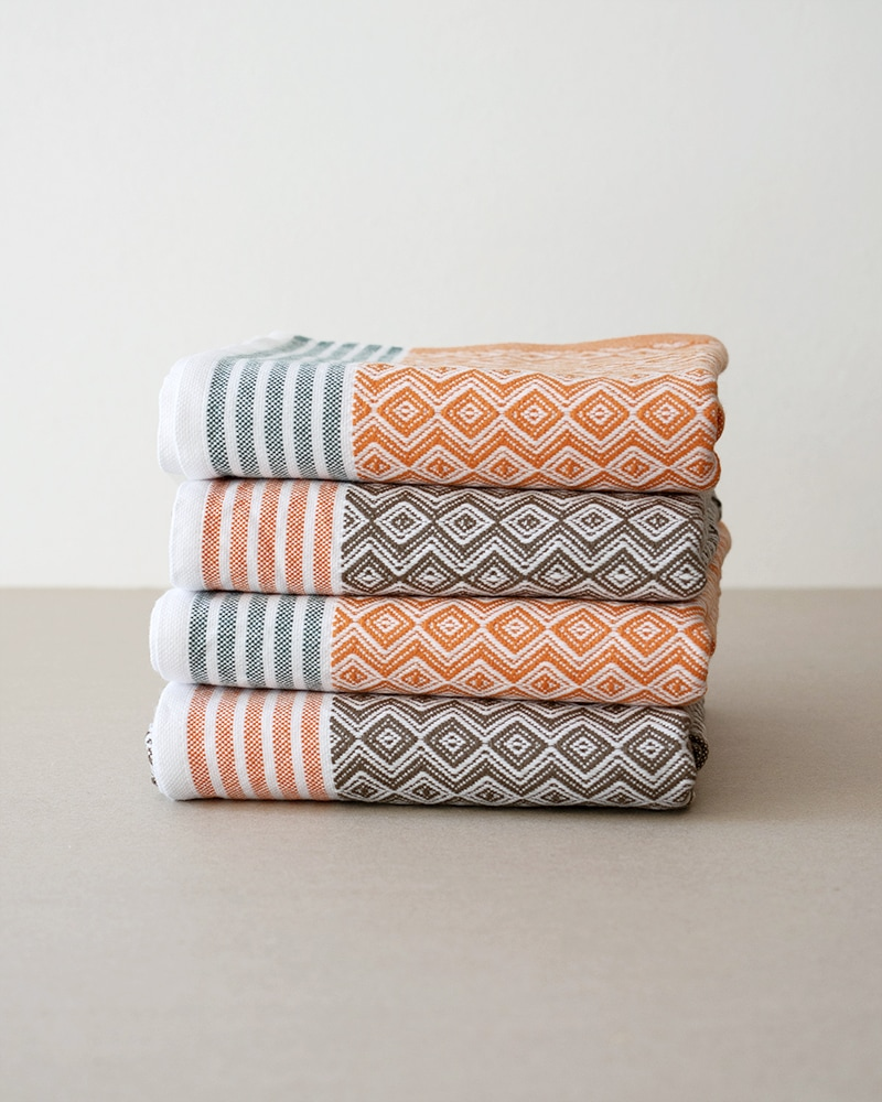 Mungo Itawuli Stack. 4 Itawuli hand towels for the special price of R650. Designed, woven, made at the Mungo Mill in South Africa